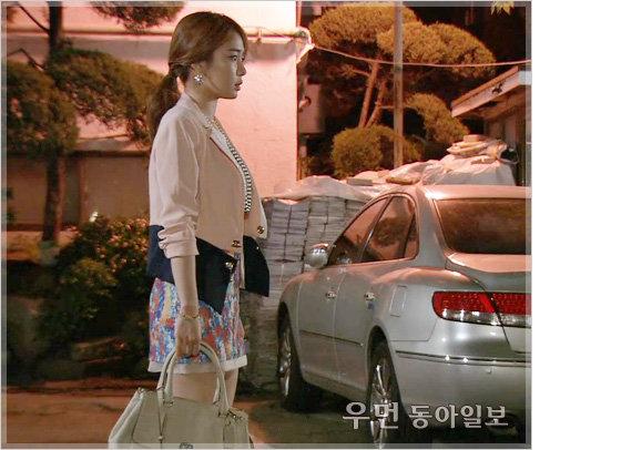 드라마 '최고다 이순신' 유인나의 톡톡 튀는~ 커리어우먼 룩 ... 비즈니스 라이프 코치 김경화의 패션 전략 ⑬