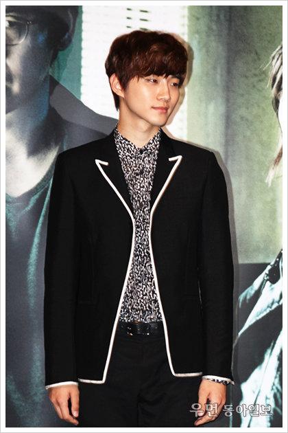 """영화 '감시자들' 2PM 이준호 """"촬영장에서 숨쉬는 것도 공부였어요!"""""""