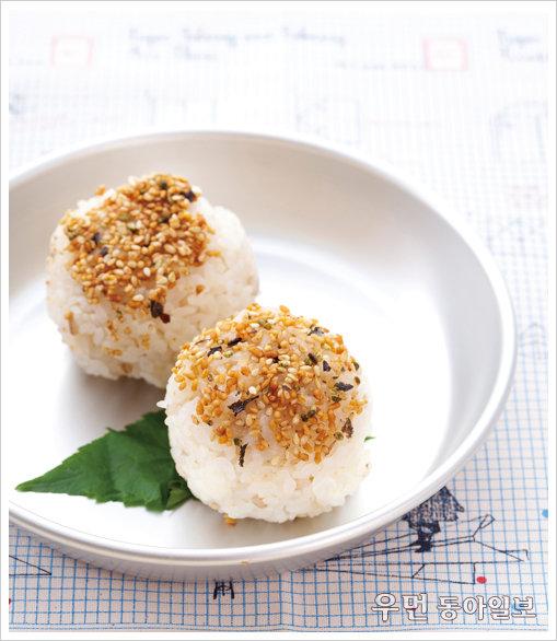 편의점에서 사먹는 참치 마요 주먹밥을 집에서도 만들어 먹을 수 있다면?