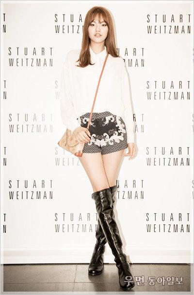 톱 모델 3인방의 블랙 앤 화이트 스타일 변주