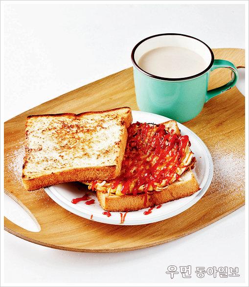 a piece of toast!  길거리 토스트 + 커피우유