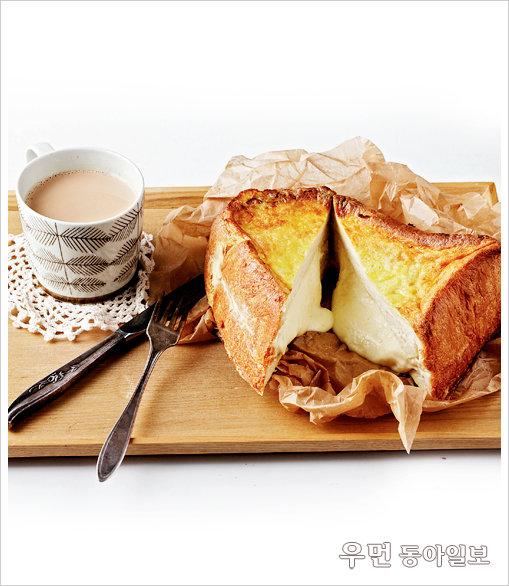 a piece of toast!  프렌치토스트 + 밀크티