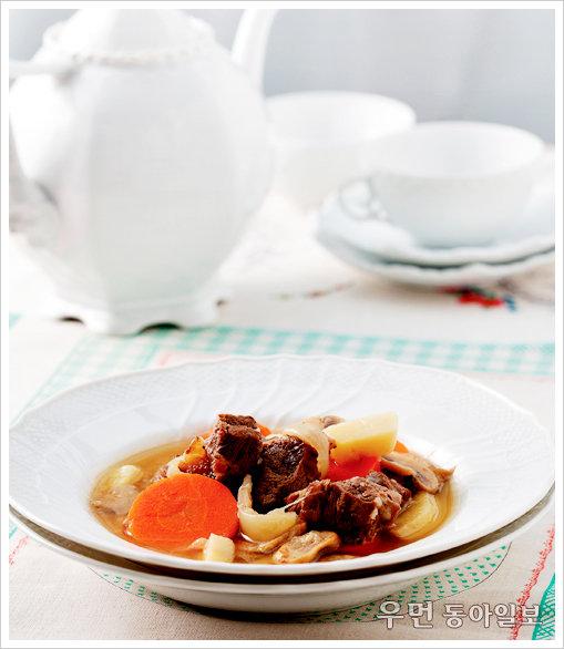 찬바람 불면 수프 한 그릇 ⑦ 기본 수프3 - 쇠고기 육수로 끓이는 채소비프수프