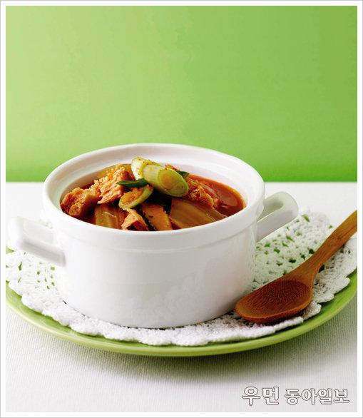 매일 먹는 찌개 더욱 맛있게 김치찌개 vs 된장찌개 맛내기 한 수 ① 얼큰하거나 개운하거나 김치찌개 맛내기