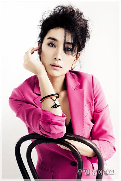 김서형, 낯선 매력