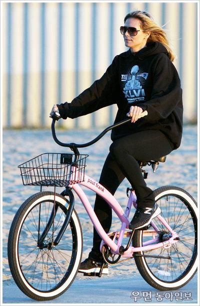 할리우드 스타처럼~ Stylish Bike Look