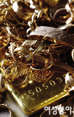 세상이 물에 잠기고 황금 덩어리로 변한 꿈을 꿨어요