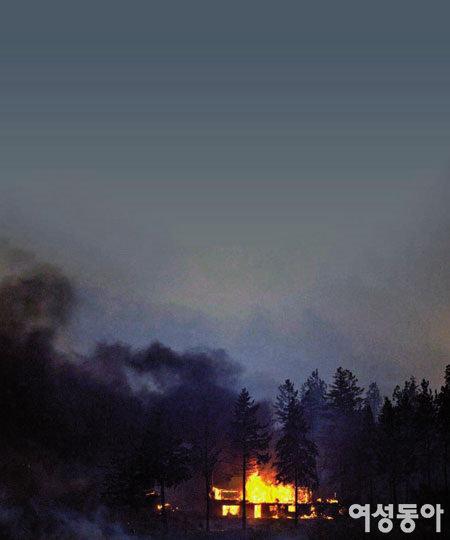 집이 불타오르고 부모님이 돌아가시는 꿈, 무슨 뜻을 담고 있나요?