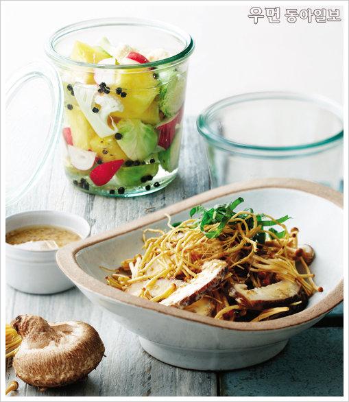 항산화 성분이 가득한 재료로 만든 면역력 높이는 디톡스 요리~ 모둠피클 & 버섯씀바귀샐러드