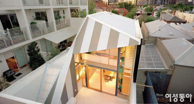 SMALL ECO HOUSE