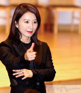 우아함과 물광 버린 김희애, 점수는요?