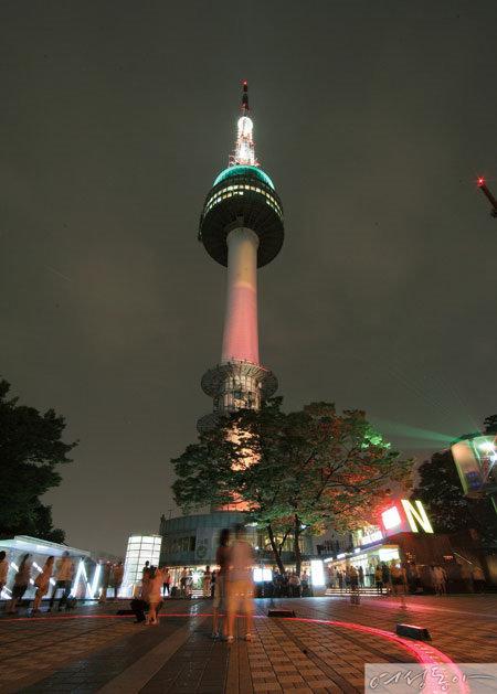 가을밤 서울 달빛 밟기