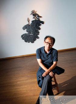한국화가 조환이 펼치는 '철판산수'의 세계