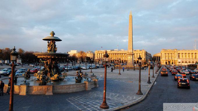 '두 도시 이야기'와 프랑스 파리