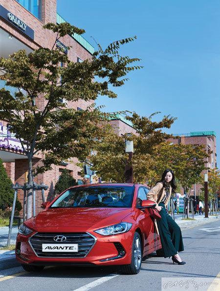 여성을 좋은 곳에 데려다 줄 2016 Best Car 2