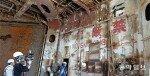 찢기고 녹슨 세월호 내부… 교복-가방 등 발견