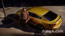 """폭스바겐 아테온, 프리미엄 세단 시장 공략 박차…""""보름 만에 673대 판매"""""""