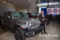 지프 글래디에이터, '북미 올해의 트럭' 선정…하반기 국내 출시