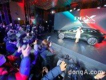 애스턴마틴 첫 SUV 'DBX' 출시… 국내 최고급차 시장 공략