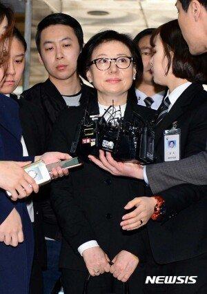 36년 만의 '공식 등장' … 롯데가 서미경씨