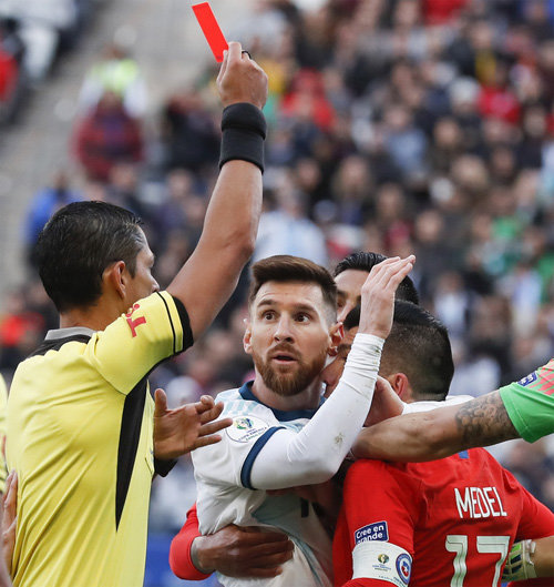 Messi Gets Red Card In Copa America Third Place Playoff The Dong A Ilbo