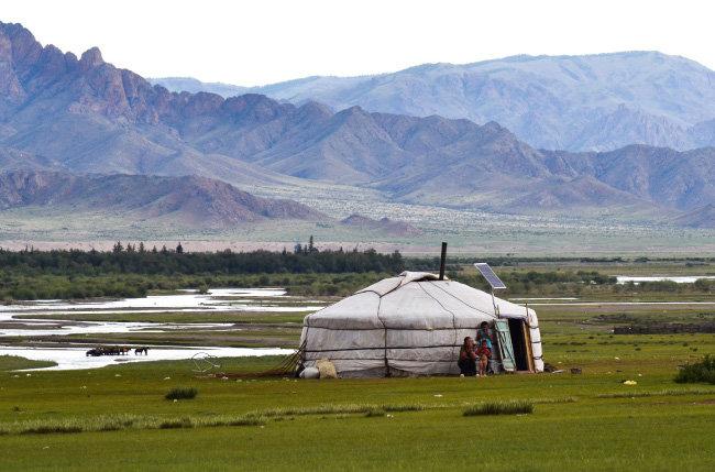 몽골고원. 송(宋)은 몽골고원에서 흥기한 몽골에 의해 멸망한다.