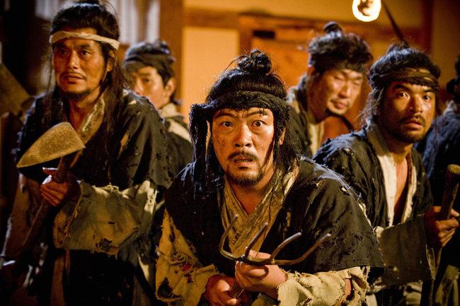 조선시대 도망간 노비를 잡아들이는 추노(推奴)의 생애를 다룬 TV드라마 '추노'의 한 장면.