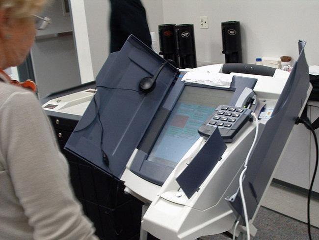 전자투표 시스템은 해킹에 취약하다.[위키미디어]
