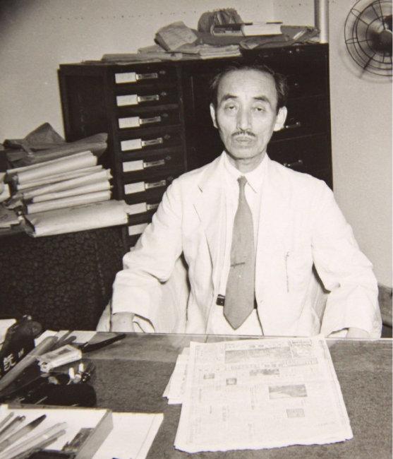1948년 8월 11일 초대 대법원장 취임 직후 집무실에서. [박영사 제공]