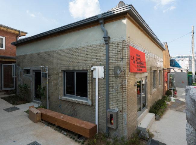 서울의 옛 골목길에서 쉽게 만날 수 있었던 단층 슬라브집. [건축사무소 기오헌 제공]