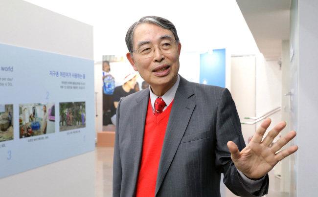 """송상현 전 ICC 소장은 """"학자가 정치권에 기웃거리는 건 일장춘몽일 뿐""""이라고 했다. [박해윤 기자]"""