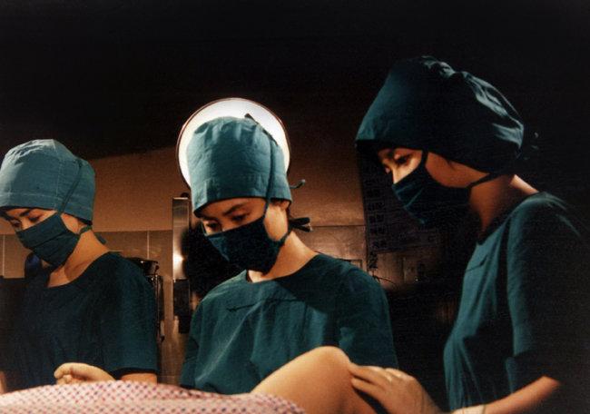 임신중절 장면을 그린 한 '페미니즘' TV드라마 장면. [동아DB]