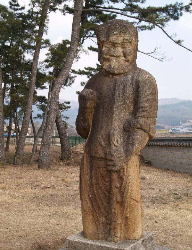 경북 경주 괘릉에 있는 페르시아 무인 조각상. [사진제공 생각의나무]