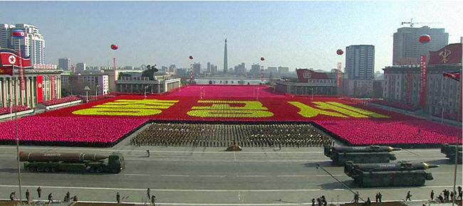 2월 8일 평양에서 열린 북한 건군절 70주년 열병식. [조선중앙TV 캡처]