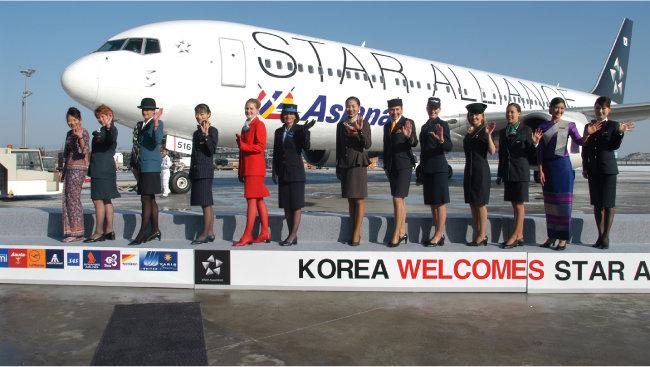 아시아나항공이 지난해 최첨단 항공기 A350 1번기를 도입했다.