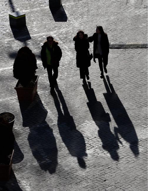 청년일자리 문제의 실마리…대·중소기업 소득 격차 10 : 7로 좁히는 것부터