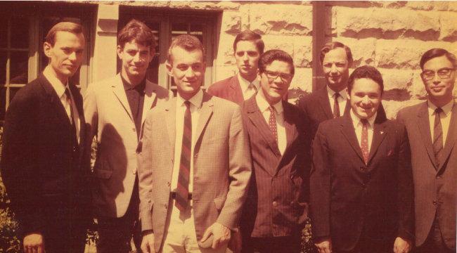 1968년 5월 27일 미국 튤레인대 법대, LL.M. 과정에 입학한 8인. 맨 오른쪽이 나다.