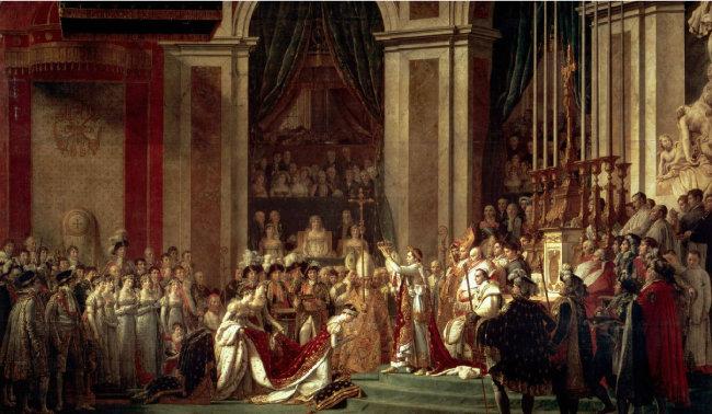 자크 루이 다비드가 그린 나폴레옹 1세 대관식 그림(1804). 나폴레옹 1세가 황후 조제핀에게 직접 왕관을 씌워주고  있다. 프랑스 파리 루브르 박물관 소장.