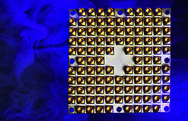'탱글 레이크'라는 이름이 붙은 인텔의 49큐비트 양자컴퓨팅 테스트 칩. 1월 미국 라스베이거스에서 공개했다. [Walden kirsch / Intel Corporation]