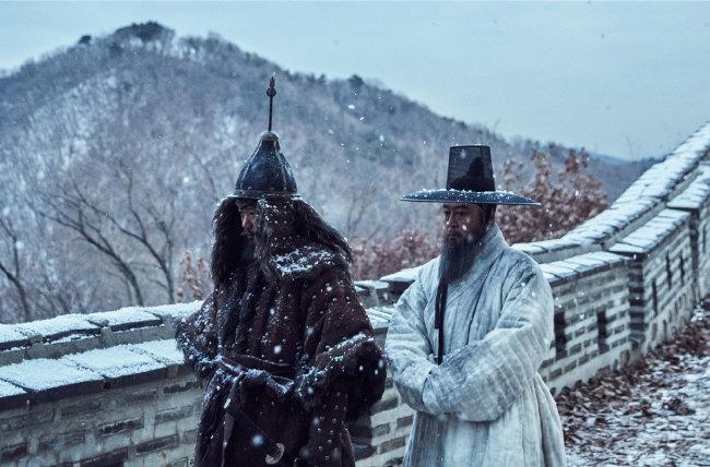 병자호란을 다룬 영화 '남한산성'의 한 장면.