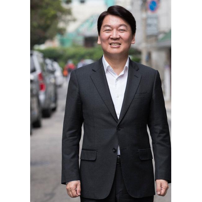 서울 강북구 삼양로에서 만난 안철수 바른미래당 서울시장 후보. [조영철 기자]