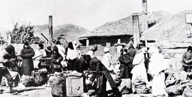 일제강점기 간도 용정의 장터 모습. 용정은 한국의 망명 동포들이 개척한 도시다.