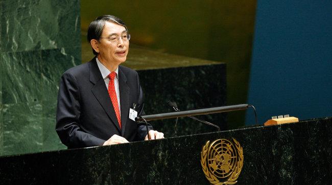 2009년 10월 30일 유엔총회에서 연설하는 나.
