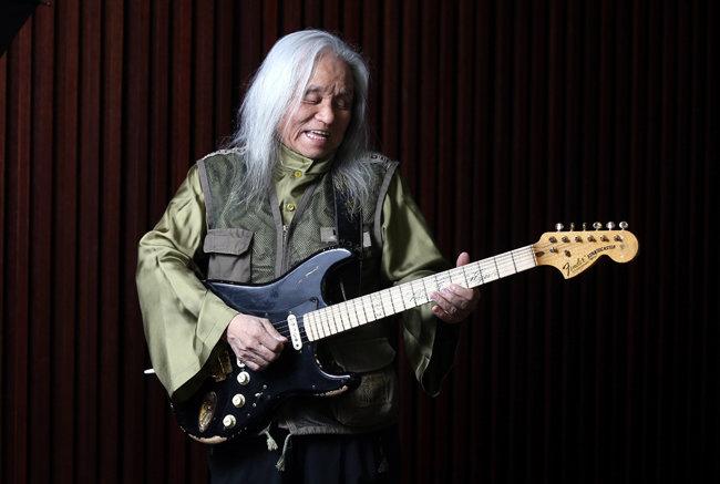 '한국 록 대부'의 음악 인생 60년