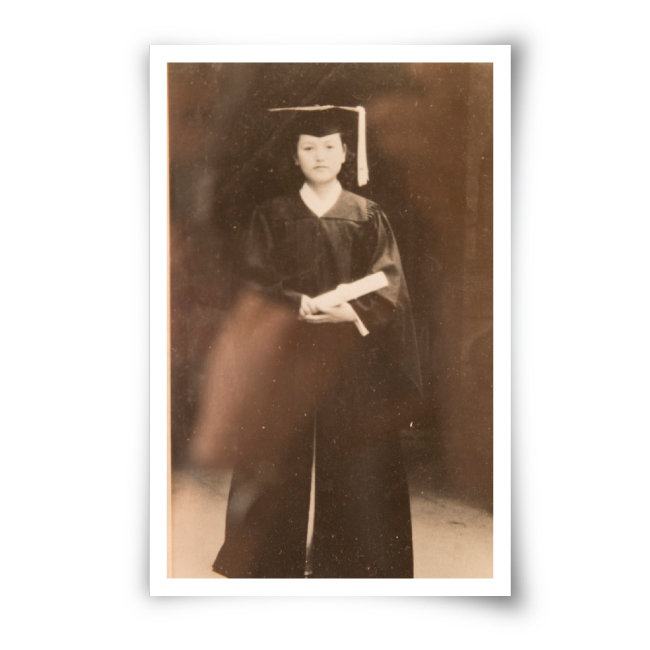 어머니 전정금 씨의 대학 졸업 사진.