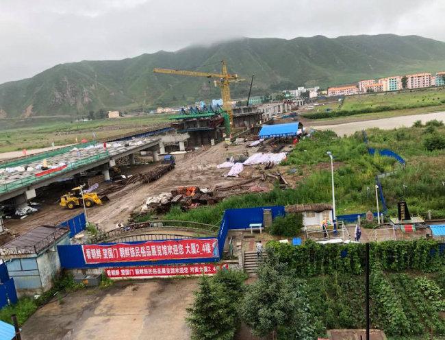 북한 남양과 중국 투먼을 잇는 왕복4차선 대교가 건설 중이다.
