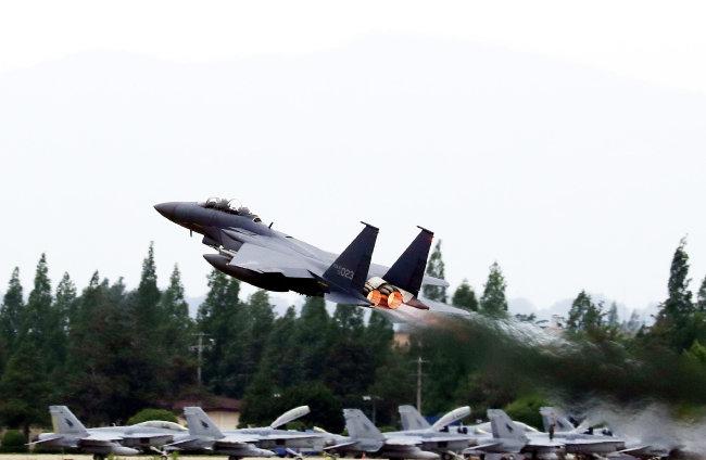미국 스텔스 전투기 F-22 랩터. [동아DB]