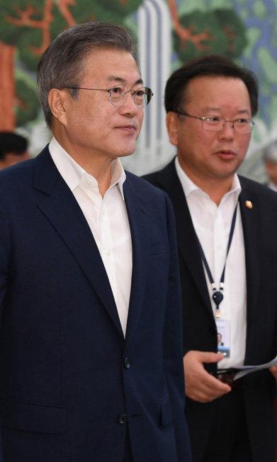 문재인 대통령과 김부겸 행정안전부 장관. [동아DB]