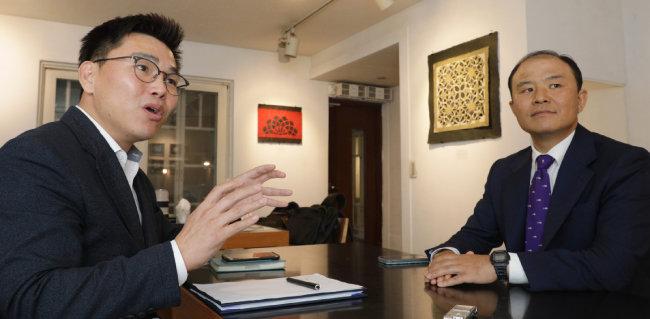 9월 5일 주승현 인천대 초빙교수(왼쪽)와 김형덕 한반도평화번영연구소 소장이 대담했다. [박해윤 기자]