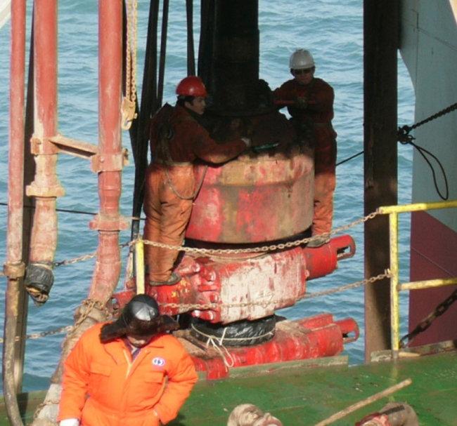2006년 서해 2-2 해저 광구 석유 탐사 시추 광경